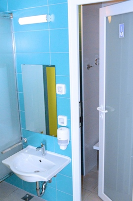 Shower and toilet cubicles for children